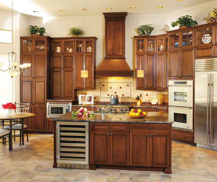 Cambridge cherry cabinets in a traditional kitchen in arlington finish and espresso glaze