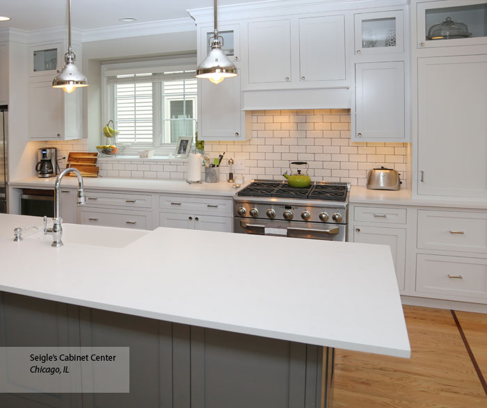 L Shaped Kitchen Houzz: Off-White L-Shaped Kitchen Design With Island